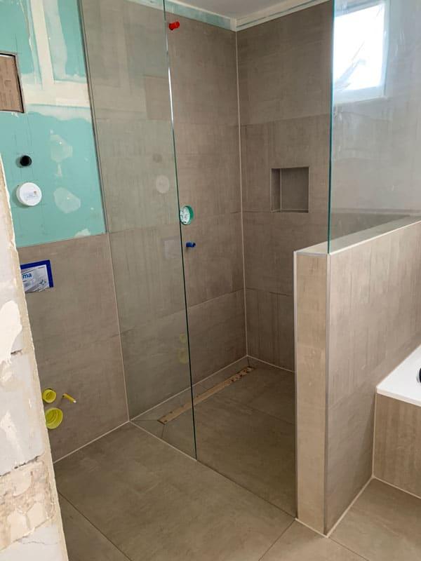 integriertes duschglas